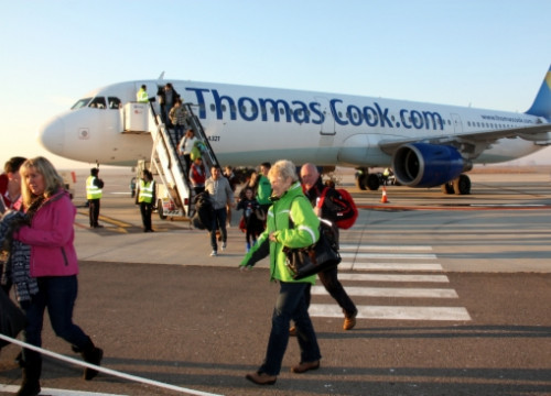 One of Thomas Cook's planes arriving at Lleida-Alguaire Airport (by X. Lozano)