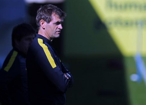 Barça Manager, Tito Vilanova, training the first team in early November (by FC Barcelona)