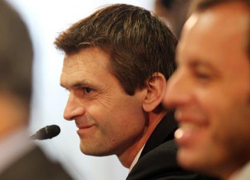 Tito Vilanova (centre), at his first press conference as Barça's new Manager, next to Sandro Rosell (by FC Barcelona)