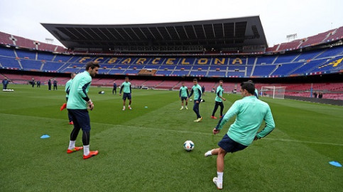 Barça players in a recent training at the Camp Nou (by FC Barcelona)