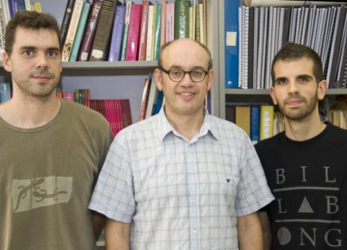 Àlvar Sánchez (centre), with Carles Navau and Jordi Prat (by UAB)