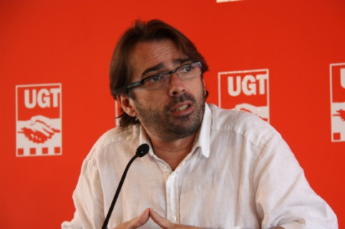 Camil Ros, presenting UGT study's results (by N. Capdevila Gallardo)