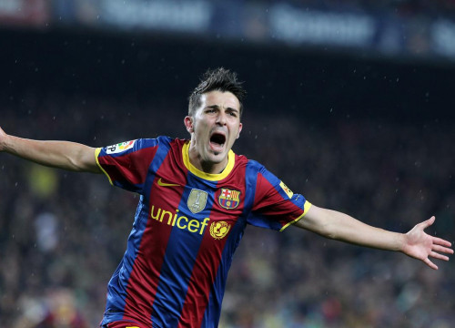 David Villa celebrates one of his goals against Real Madrid (by FC Barcelona)