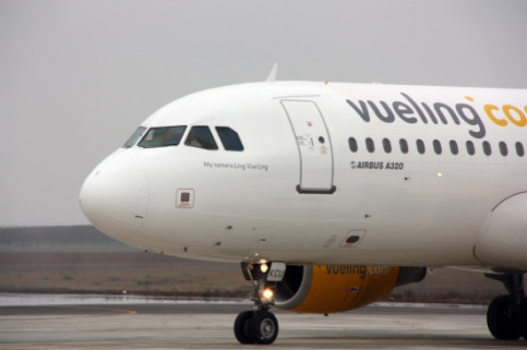 An aircraft from the Catalan company Vueling (by O. Bosch)