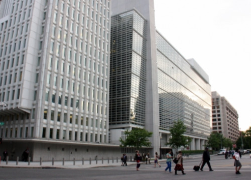 The World Bank's headquarters in Washington DC (by J. R. Torné)