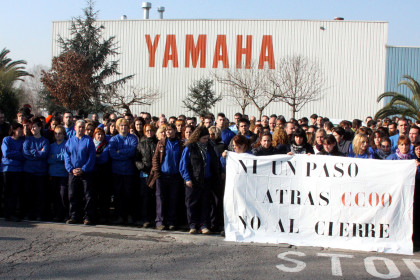 Workers protesting in front of Yamaha factory in late January (by J. Ventura)