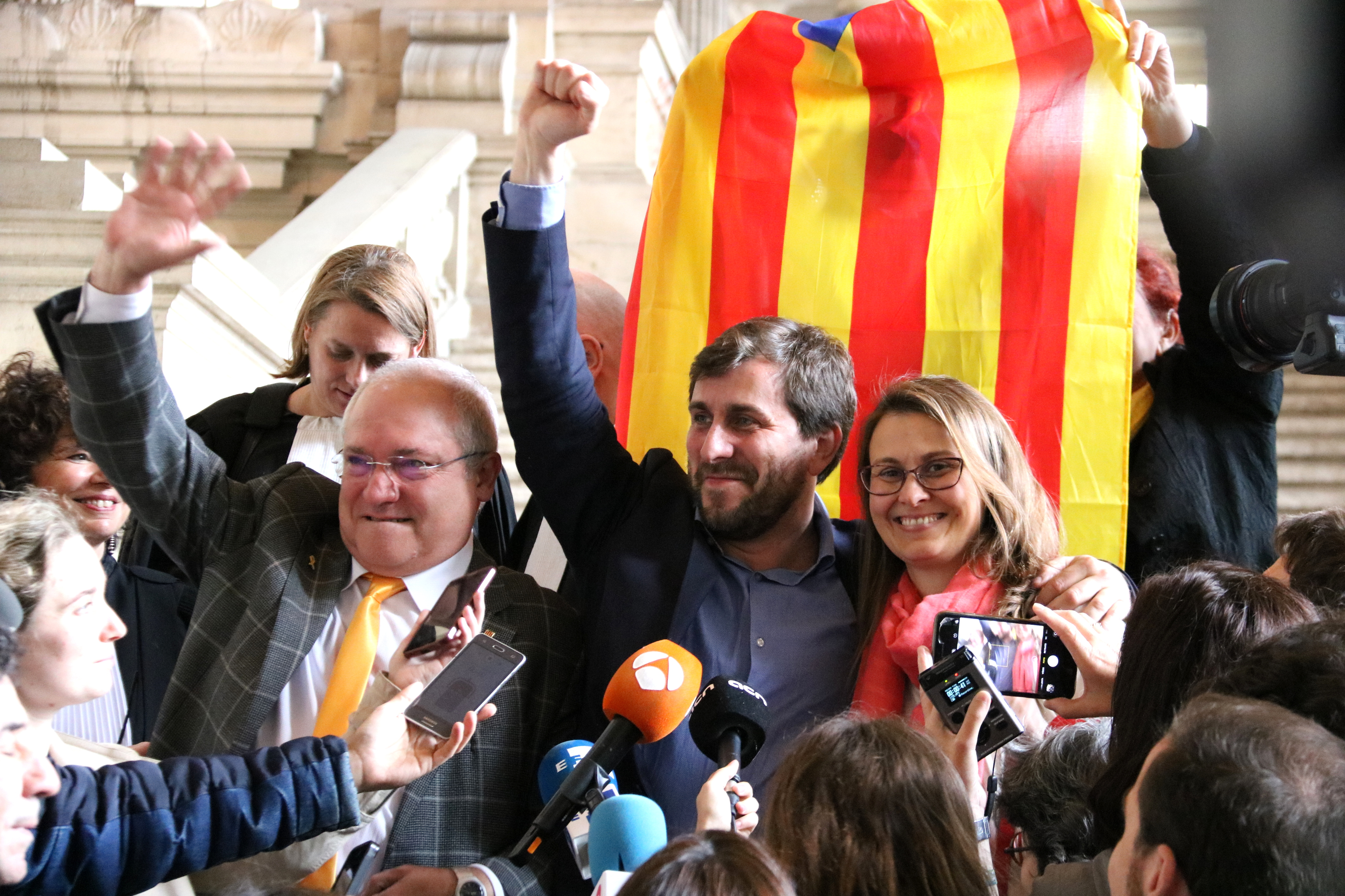 Former Catalan ministers Lluís Puig, Toni Comín and Meritxell Serret, after a court in Brussels rejected extraditing them to Spain (by Blanca Blay)