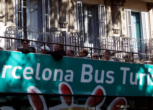 A tourist bus in Barcelona (by ACN)