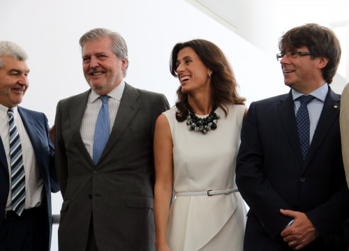 The Spanish Minister for Culture, Education and Sport and the Catalan president Puigdemont with Ainhoa Grandes