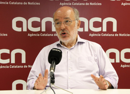 The MEP Josep Maria Terricabras during the interview with Catalan News (by Alan Ruiz)
