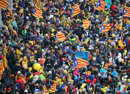 People gather in Brussels to protest against the imprisonment of Catalan leaders (by ACN)
