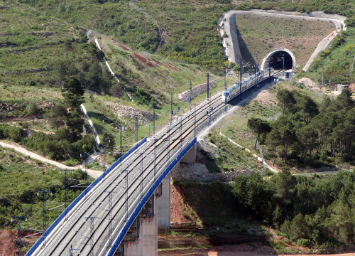 The Mediterranean Railway Corridor will connect Central Europe with Barcelona and Valencia ports, industries and tourist centres
