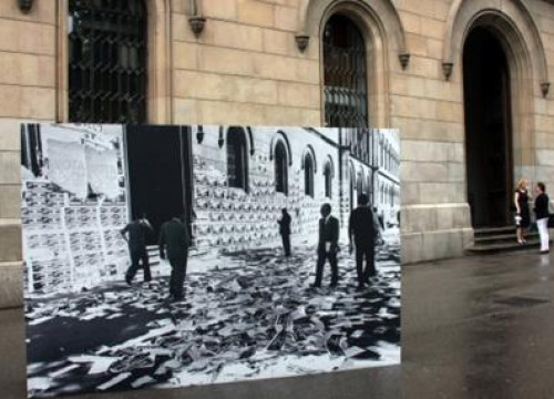 Images from the Franco era return to the streets of Barcelona