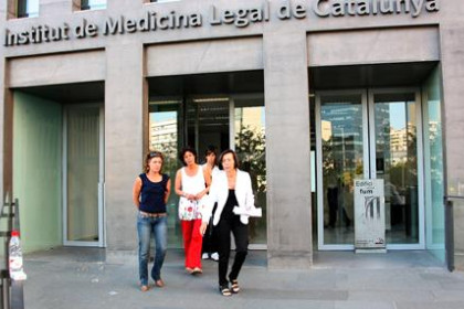 Catalan Minister for Justice, Montserrat Tura quitting the Institute of Legal Medicine of Catalonia