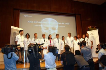 The part of the medical team that performed the full face transplant during today's presentation