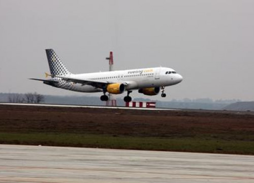 An airplane from the Catalan airline Vueling