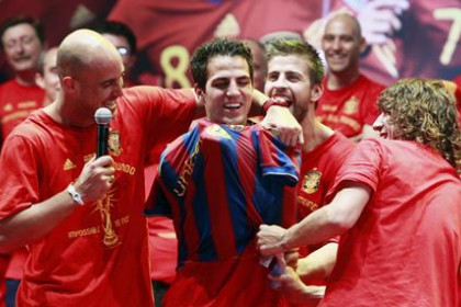 Photo of Cesc Fàbregas stays at Arsenal, Barcelona will have to wait another year