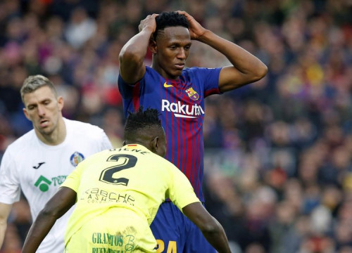Yerry Mina made his debut in the starting XI against Getafe (by Miguel Ruiz, FCB)