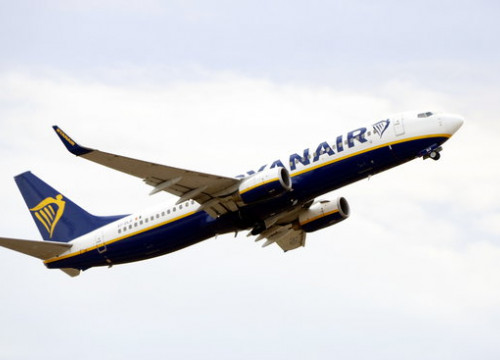 A Ryanair plane takes off from the Reus airport on December 14 2017 (by Roger Segura)