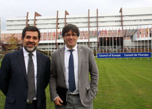 Catalan National Assembly's president, Jordi Sànchez, and the Association of Municipalities for Independence's president, Carles Puigdemont at the Council of Europe, in Strasbourg (by ACN)