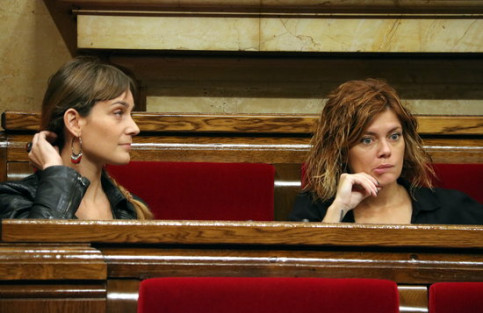 CatECP MPs Jéssica Albiach and Elisenda Alamany at the Catalan parliament on October 24 2018 (by Àlex Recolons)