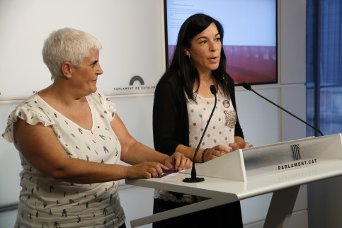 Catalan MP Adriana Delgado and vice president of National Council of Women of Catalonia, Montse Pineda, at a press conference on June 27, 2019 (Guillem Roset/ACN)