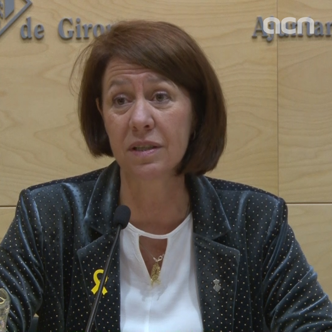 Girona mayor reacts to ban on yellow ribbons during electoral campaign
