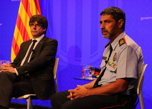 The Catalan president, Carles Puigdemont, and the Catalan police chief officer, Josep Lluís Trapero (by Guifré Jordan)