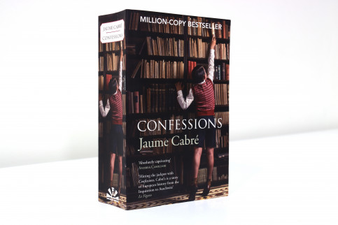 A shot of Jaume Cabré's English edition of 'Confessions' (by ACN)