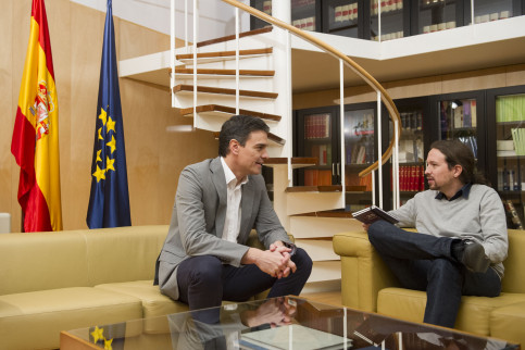 PSOE's leader, Pedro Sánchez and alternative left Podemos' leader, Pablo Iglesias on a meeting this Friday (by ACN)