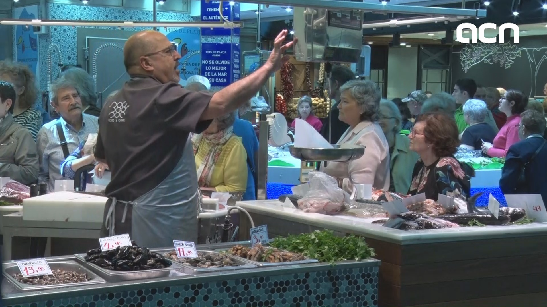 Historic Sant Antoni market re-opens after nine years of reforms