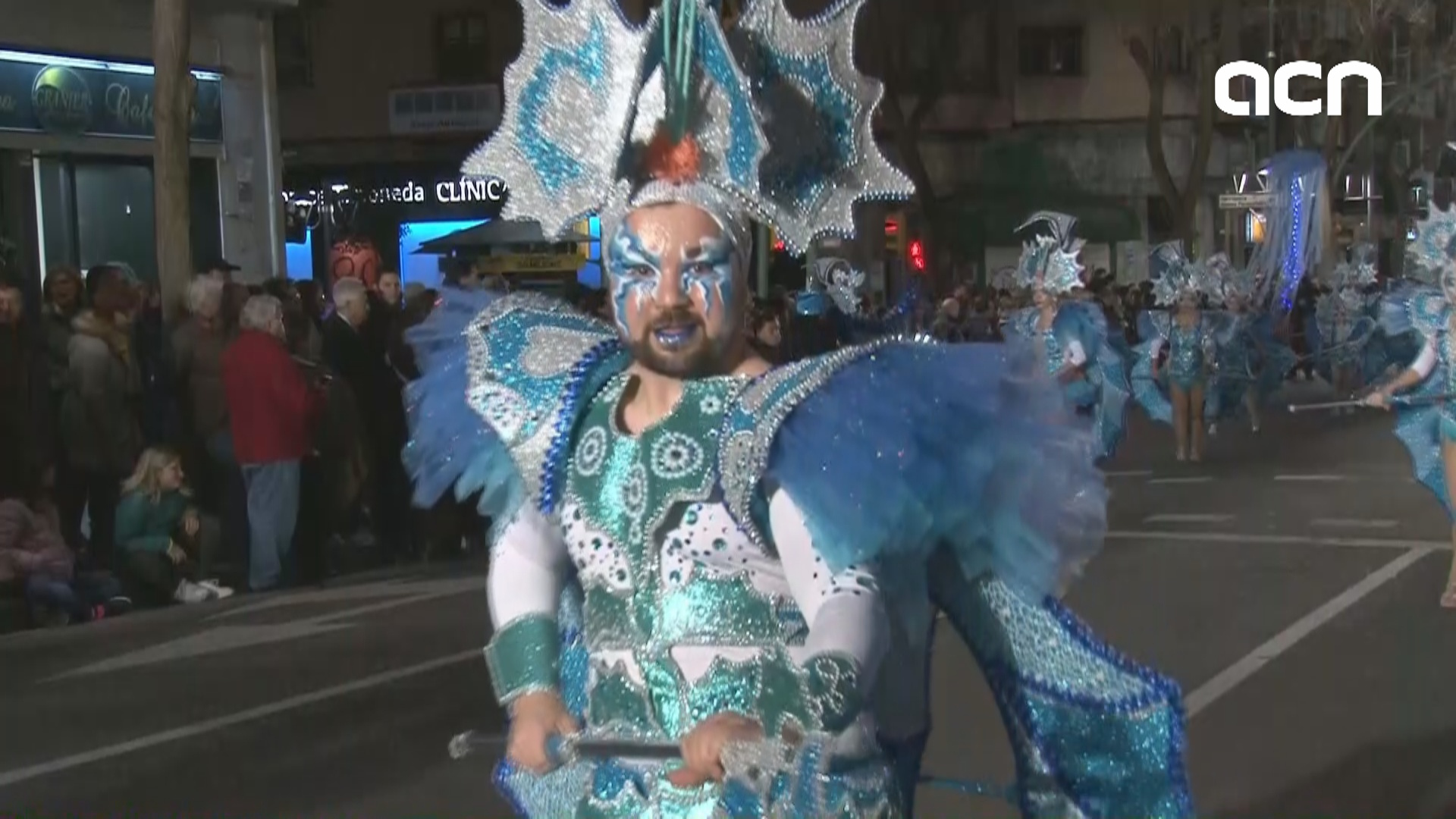 Revellers celebrate carnival despite winter cold