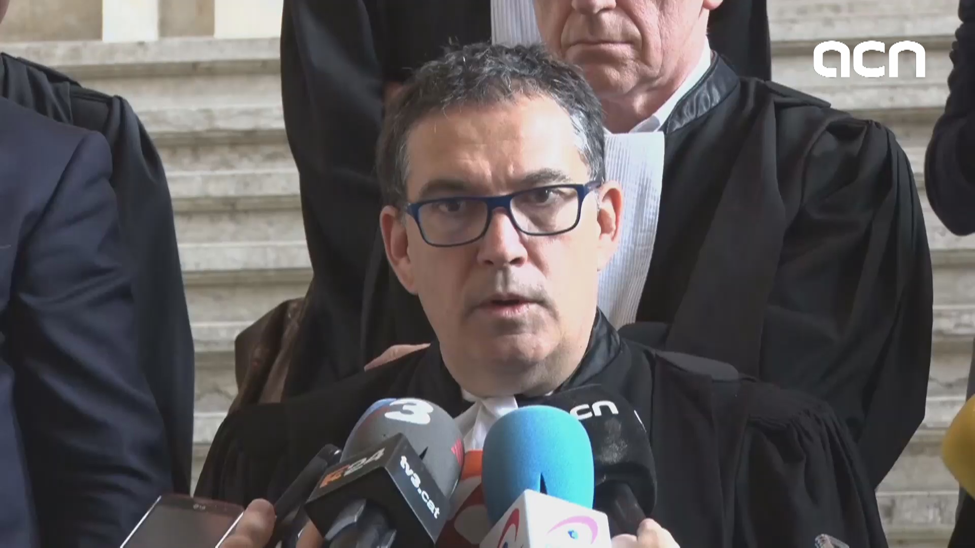 Catalan officials' lawyers explains irregularities in Spanish judiciary's extradition order
