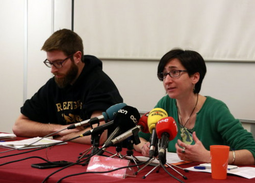 Jofre Güell and Laia Fargas of SETEM Catalonia speak at the presentation for the Mobile Social Congress on February 18 2019 (by Laura Fíguls)