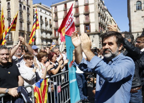 Jordi Sànchez at a protest ini Sant Jaume square in Barcelona on September 20 2017 (by Patricia Mateos)