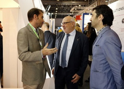 The Catalan Minister for Business and Knowledge, Jordi Baiget, and the Secretary for Governance of Information and Communications Technology, Jordi Puigneró, visiting the IoTSWC (by ACN)