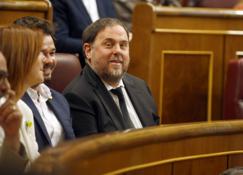 Oriol Junqueras takes his seat in Spain's Congress