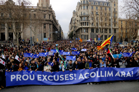 Thousand marched along Barcelona in aid of refugees (by ACN)