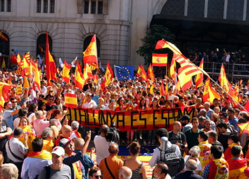Protesters calling for Spain to remain unified in October 2017