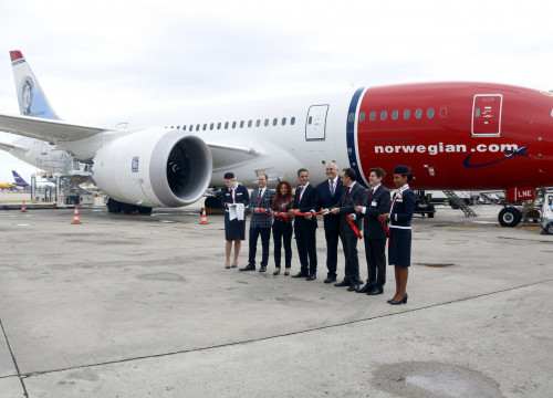 At the inauguration of the nonstop flight from Barcelona to Los Angeles (by Mar Martí)