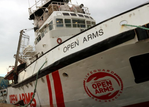 Open Arms has been docked in Barcelona's port since early January (by ACN)