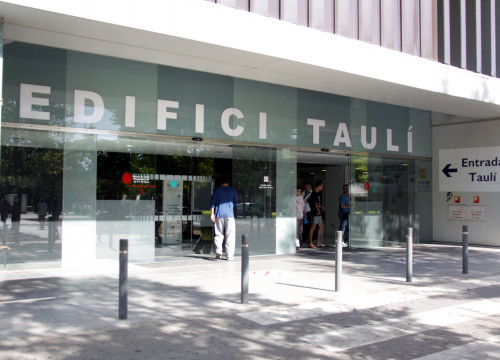 Parc Taulí Hospital in Sabadell, 30 kilometres Northfrom Barcleona (by ACN)