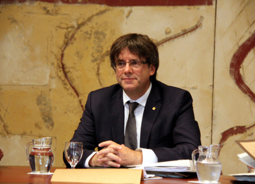 Catalan President, Carles Puigdemont, during the executive's meeting (by ACN)
