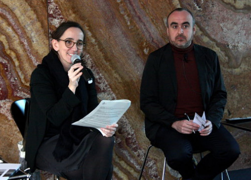 The director of the Mies van der Rohe Foundation Anna Ramos (left) and the program curator of the foundation Ivan Blasi at the presentation of the 2019 season on January 31 (by Lucía Franco de Paz)