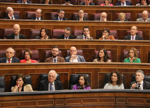 The socialist party sits in the Spanish congress on December 12 2018 (by Bernat Vilaró)