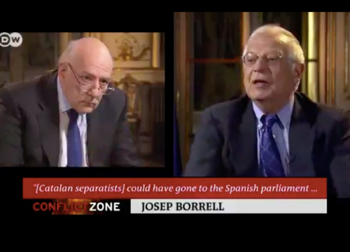 Tim Sebastian (left) and Josep Borrell (right) during the interview in 'The Conflict Zone' (screenshot Deutsche Welle)