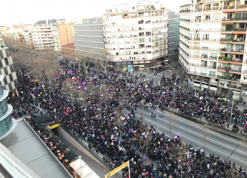 Massive turnout in Barcelona's rally for womens' rights on March 8, 2019 (by Guifré Jordan)