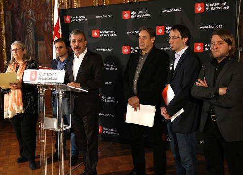 Barcelona's Deputy Mayor, Jaume Collboni, together with other members of the local government, announcing that Barcelona drops bid to host 2026 Winter Olympics (by ACN)