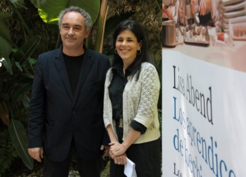 Ferran Adrià and Lisa Abend at the presentation of the book's Spanish version (by E. Rosanas)