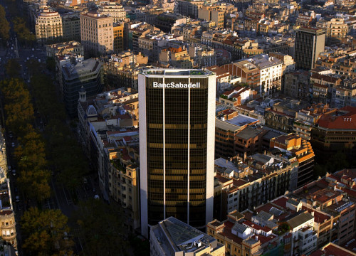 The main building of Banc Sabadell in Barcelona's Eixample (by ACN)